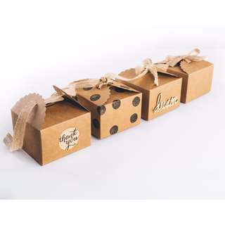 Kraft ribbon tie favor box
