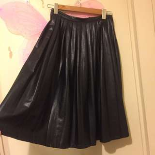 Black Long Pleated Faux Leather Skirt