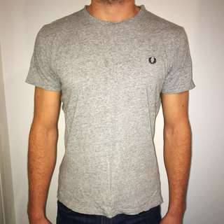 FRED PERRY grey tshirt men size small