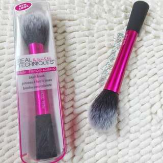 Real Techniques Blush Brush [Class A]
