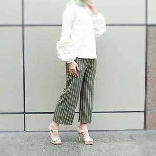 Preloved Stripe Pants WearingKlamby