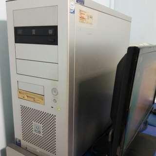 Core2 Quad Q6600. 2.4ghz