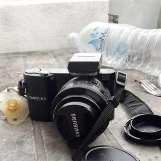 SAMSUNG NX 1000