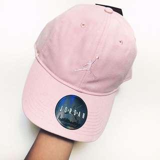Jordan 粉紅色老帽