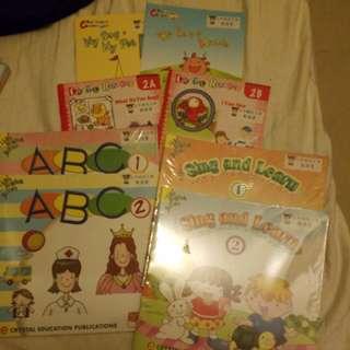 啟思幼稚園,k1英文教科書,abc,sing and learn, crystal readers,rainbow cartoons
