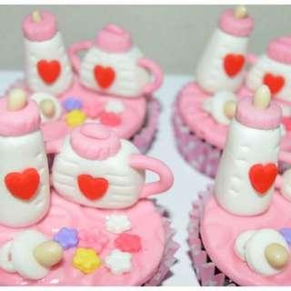 CUSTOMIZE CAKES / CUPCAKES