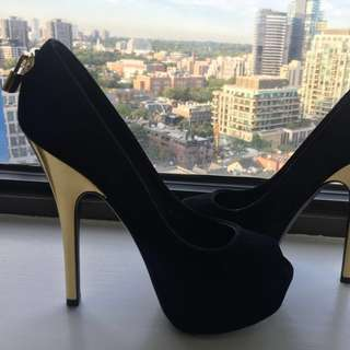 Louis Vuitton Stiletto Heels Only Worn Once