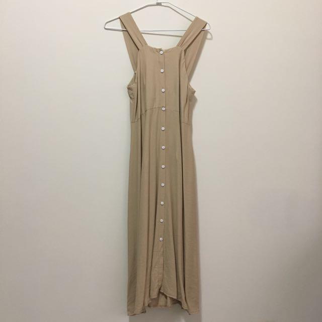 排扣長洋裝