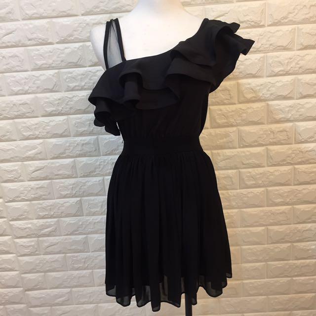 荷葉領洋裝