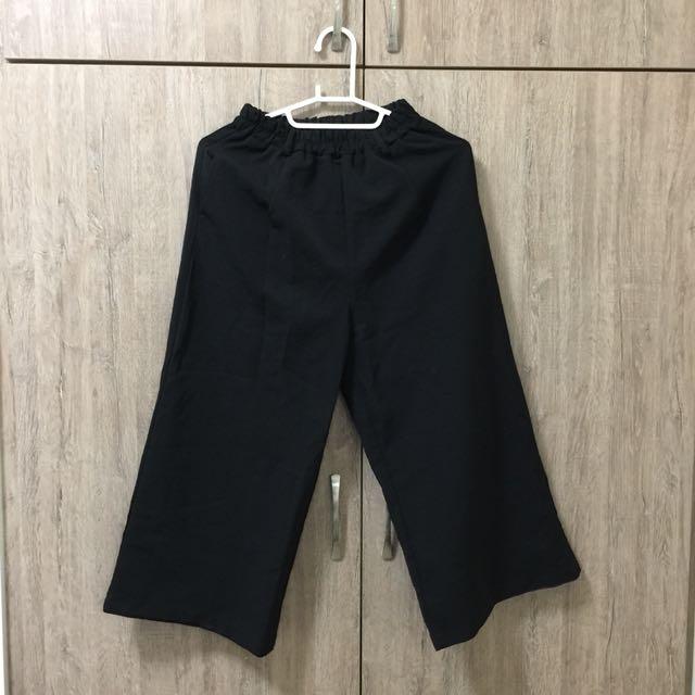 黑色薄寬褲