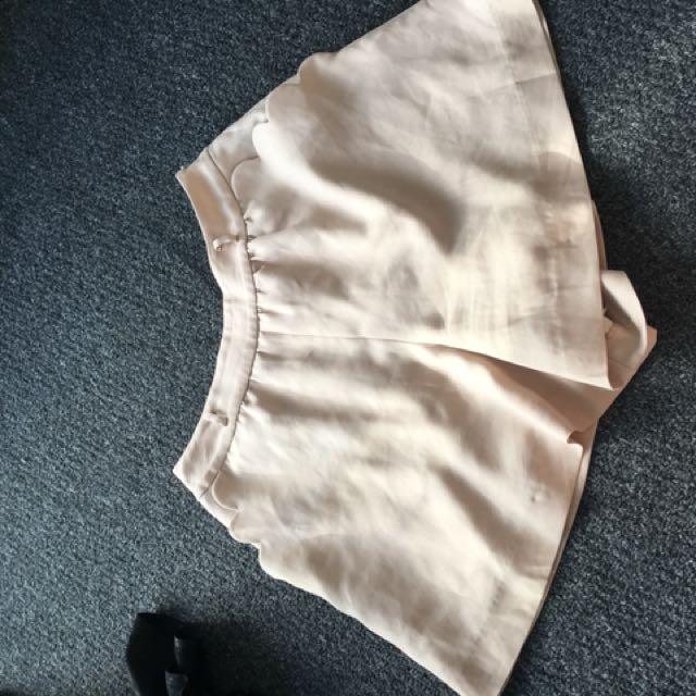 Apuweiser-Riche high waisted shorts (2)