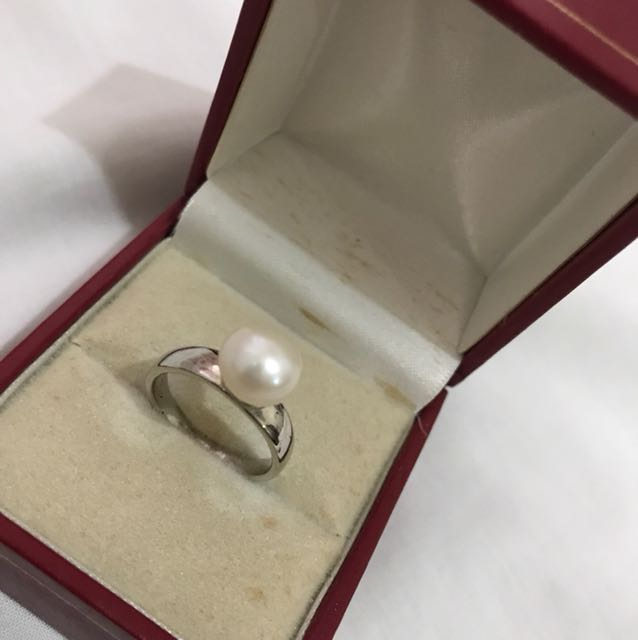 Authentic Fresh Water Pear Ring