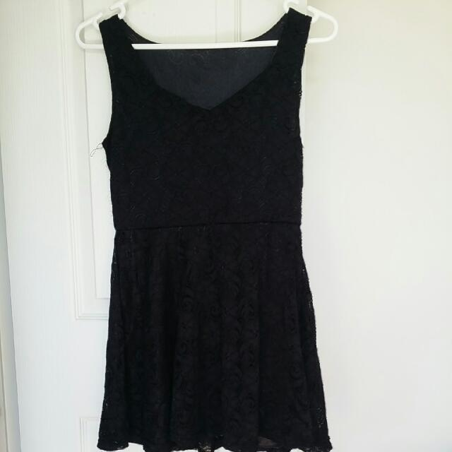 Black lace dress (short)