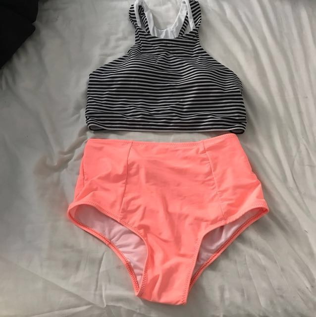 BNWT High neck and high waste bikini size small