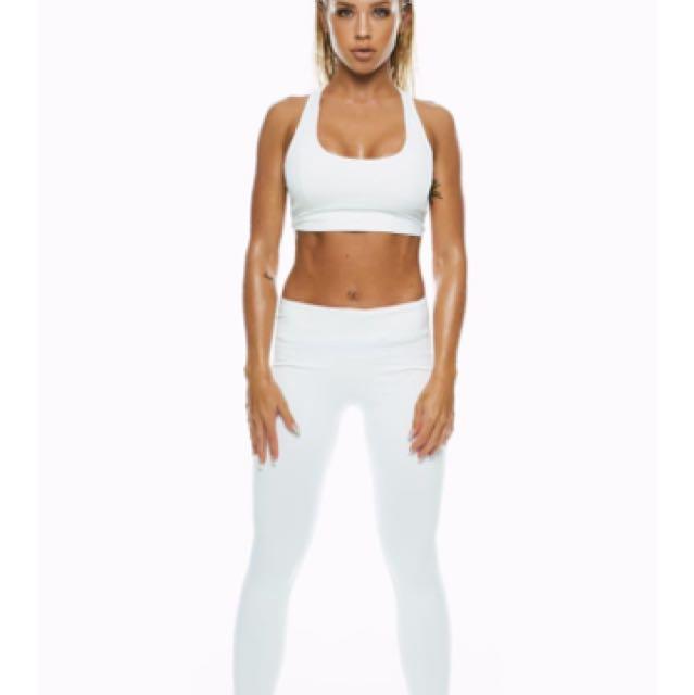 BNWT Saski Collection MID WAIST tights in XS white