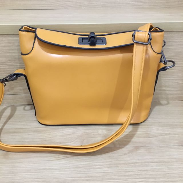 Brand new sling bag for clearance