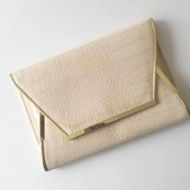 C O L E T T E | Nude Clutch Bag