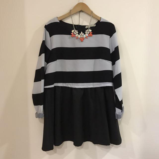 含運。Catworld 黑白橫條洋裝。L