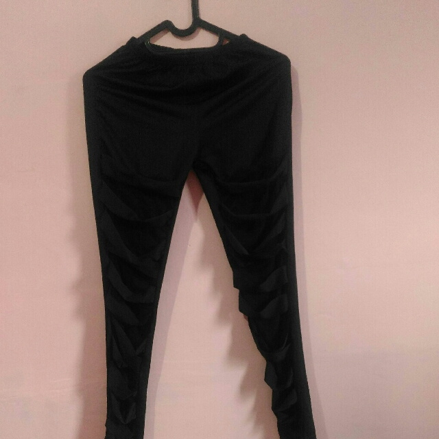 Celana Leging Kekinian Women S Fashion Women S Clothes Bottoms On Carousell