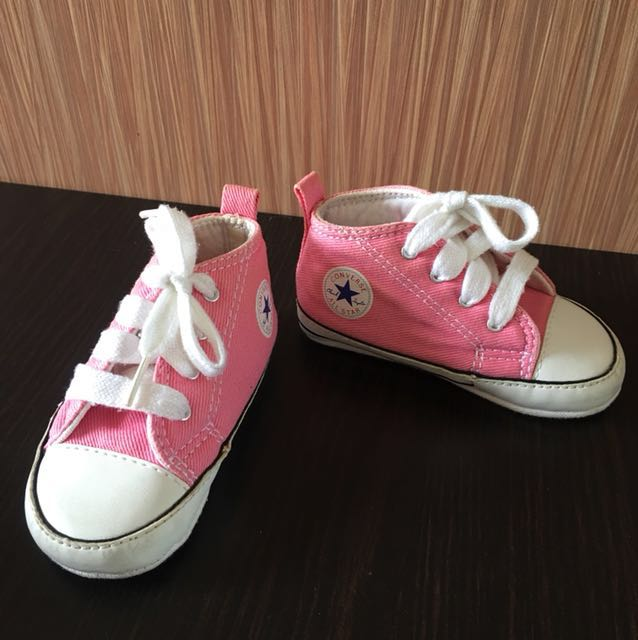 cb7ec077e19043 Converse All Star Pre-walker baby shoes Pink plus Free Red shoes ...