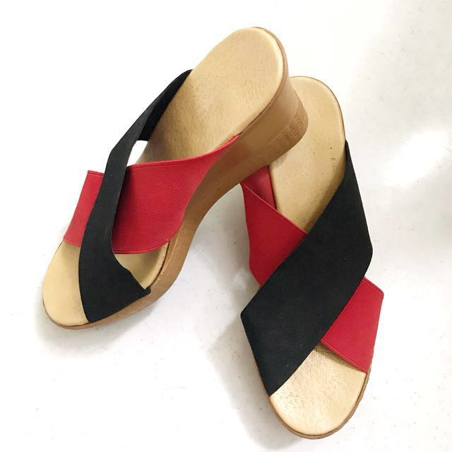 Criss Cross Strap Wedge | Black & Red