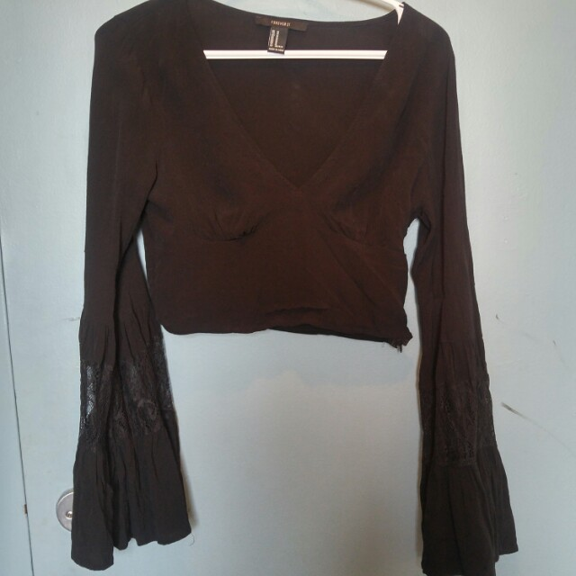 Cropped V neck bell sleeve top