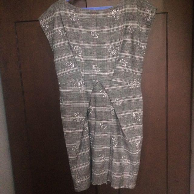 Grey Flower Patterned Dress