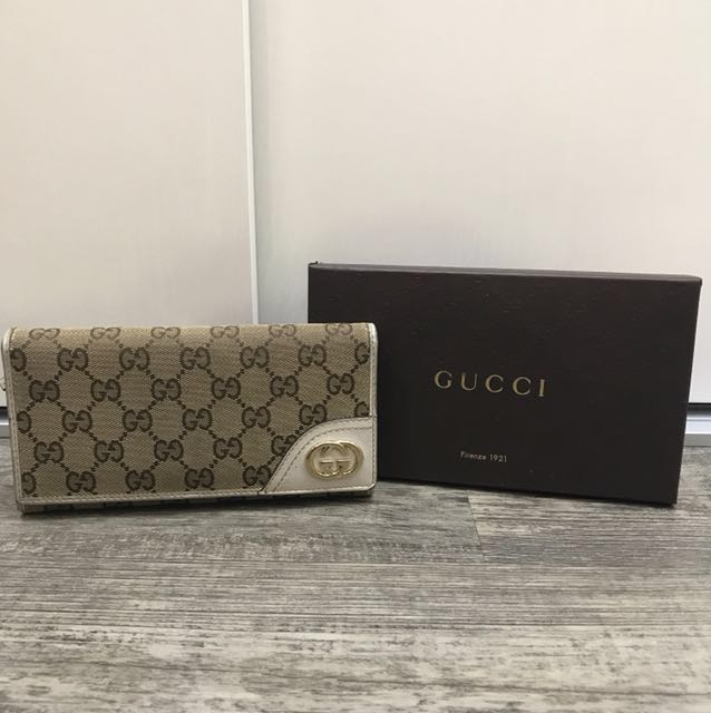 b3e1cdb1e6e4 Gucci Women's wallet (Authentic), Luxury, Bags & Wallets on Carousell