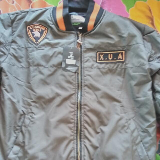 Jaket Bomber Army Green