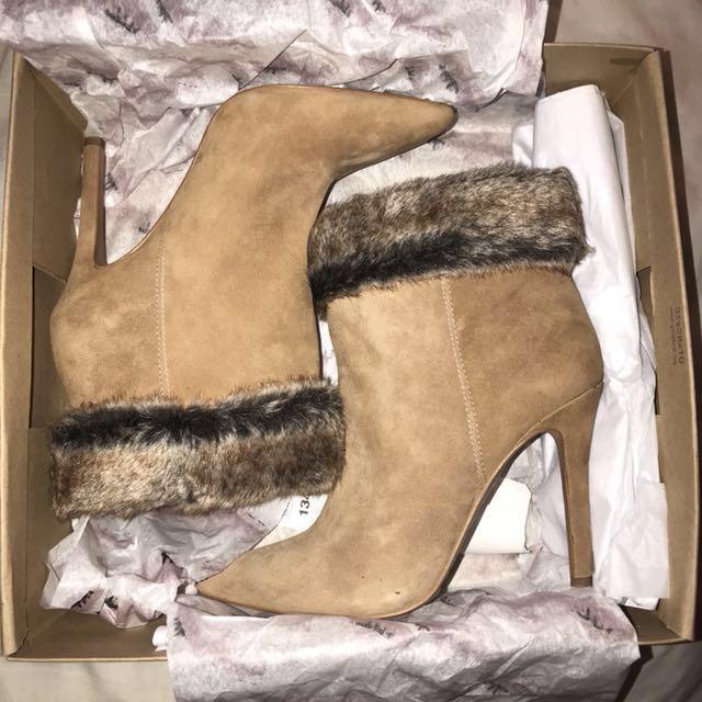 Jessica Simpson Suede Heels Size 7.5