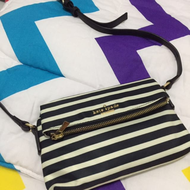 Kate spade sling bag (AUTHENTIC)