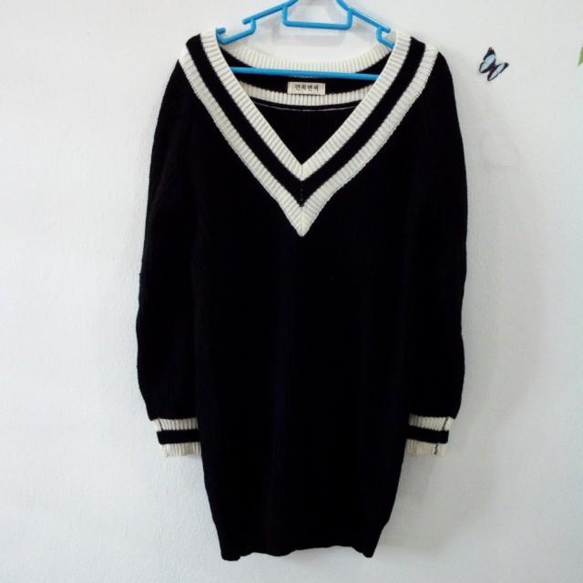 Knitted V neck dress/ long top