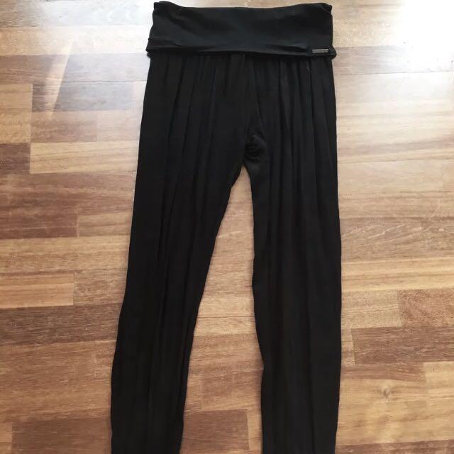 Lorna Jane black harem dance pants size xs