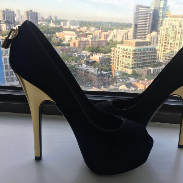 Louis Vuitton Stiletto Heels Only Worn Once