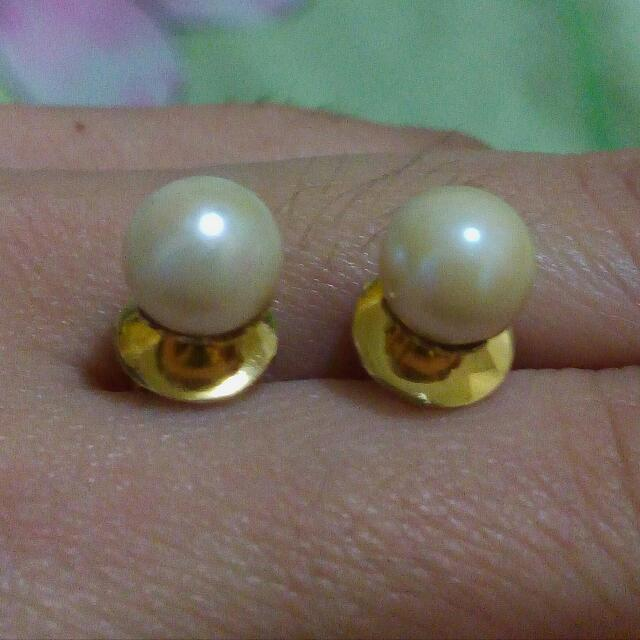 Miki Moto Pearl Earring