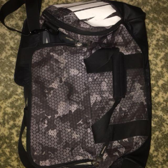 Nike Camo Side Bag.