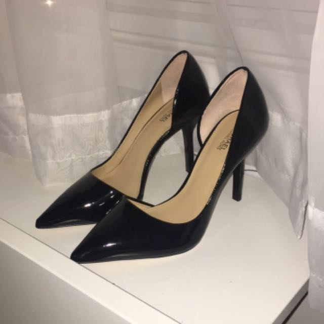 PRICE DROP: New Michael Kors Heels size 7