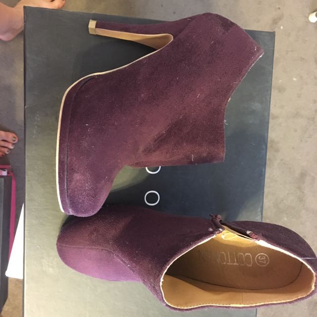Purple size 7 ankle boots