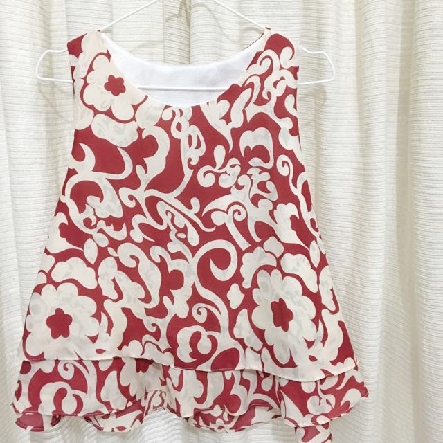 Red-Flowered Pattern Blouse
