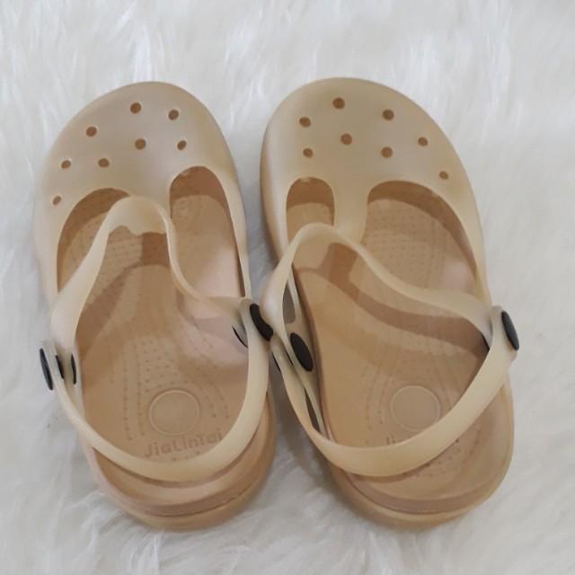 Sandal ala crocs