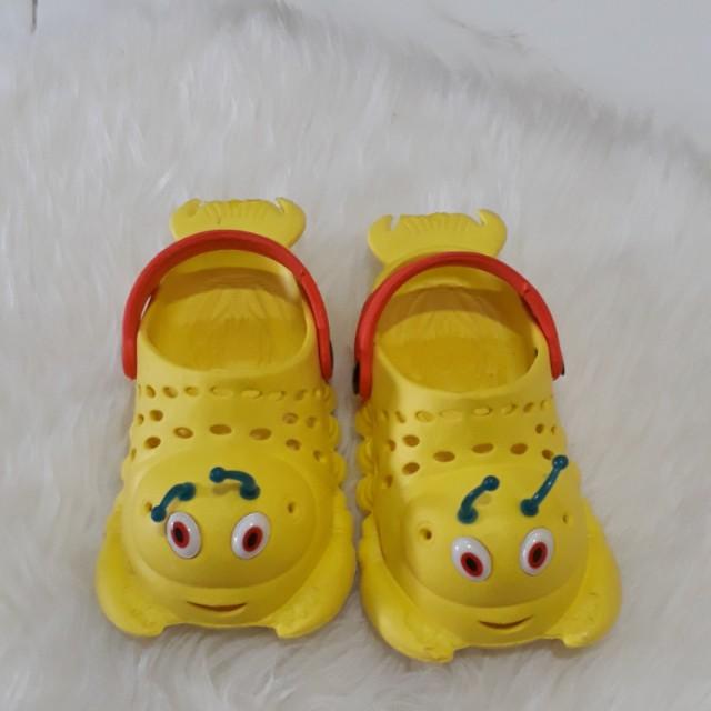 Sandal kuning