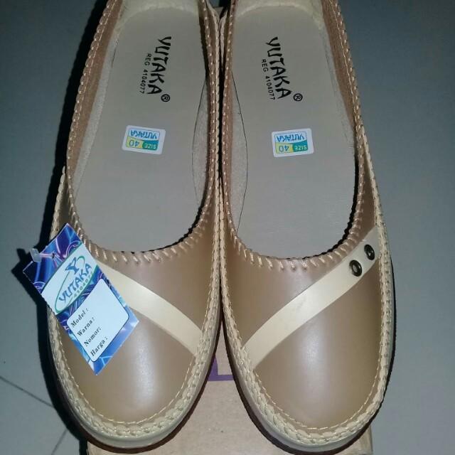 Sepatu merk yutaka