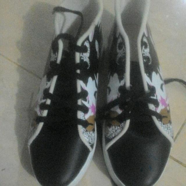 Sneaker Print Butterfly