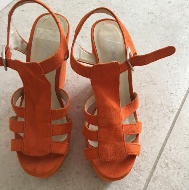 Summer shoes orange size 5