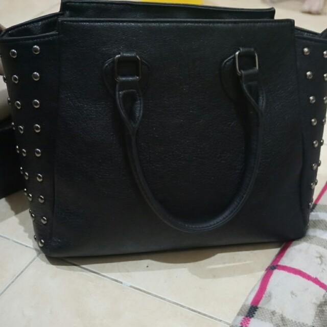 Tas bata hitam