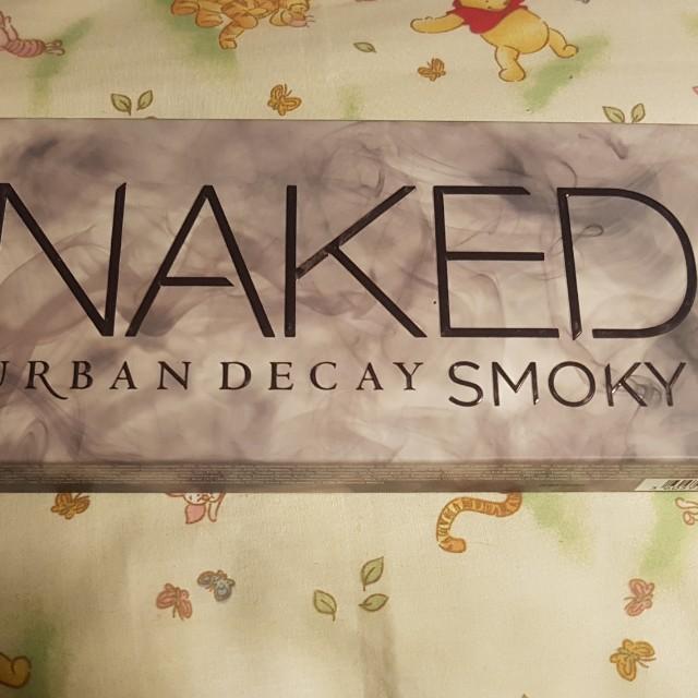 UD Naked Smoky