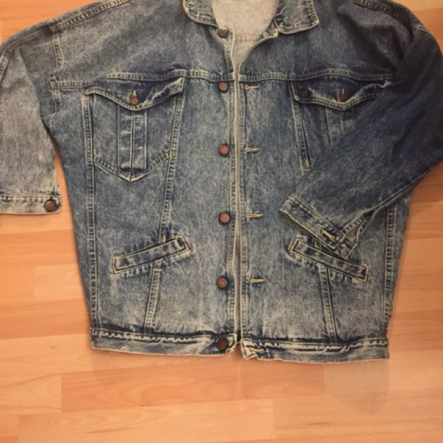 VINTAGE MENS ACID WASH JEAN JACKET