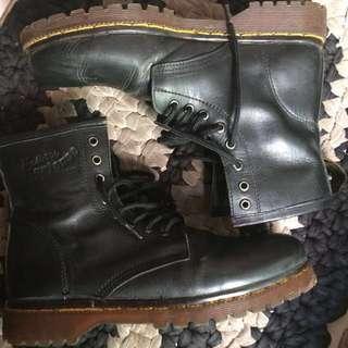 Cibaduyut Leather Boots