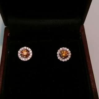 (極罕鮮橙色彩鑽)18K白金25份真彩鑽配16份真白鑽耳環一對