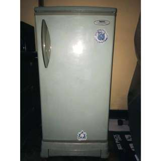 Pre Loved Semi Automatic Refrigerator 5 cubic ft. - National(Panasonic)